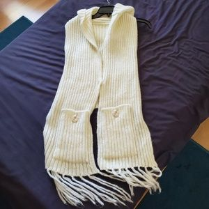 Sweaters - White sweater vest